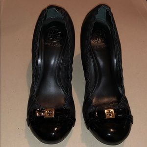 Tory Burch black Romy Mid Heel with bow size 7.5